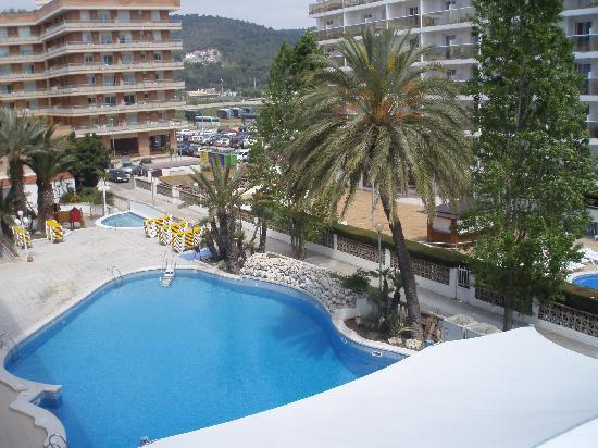 Hotel Alhambra: Vistas a la piscina