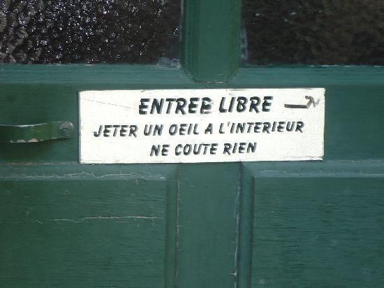 Hotel de Beaulieu : Petit message sur la porte de l'hôtel