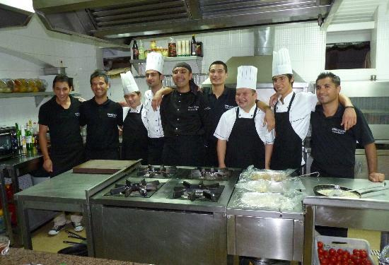 Bosphorus Restaurant at Samira Hotel : The service and cooking team