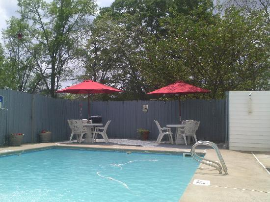 Fireside Inn: Come Relax By the Pool