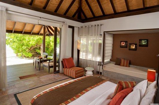 Beach Villa - Picture of Velassaru Maldives, Velassaru Island - Tripadvisor