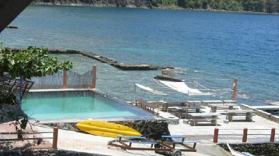 Bauan, Philippines: pool and dinner area