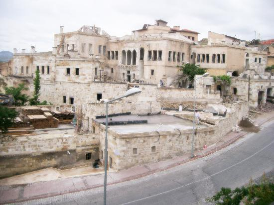 Born Hotel Old House: Born Hotel Alt Kat Odamdan Manzara