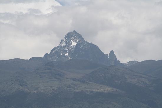 Fairmont Mount Kenya Safari Club: View of mt kenya