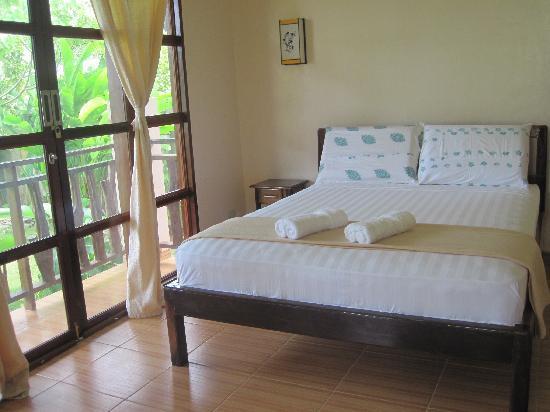 Island Dream Palm Paradise Resort : bed