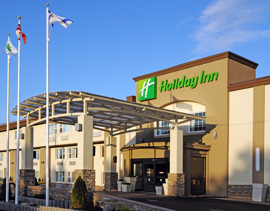 Entrance to Holiday Inn Truro