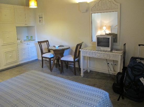 The Porto Kea Suites Hotel: The Room