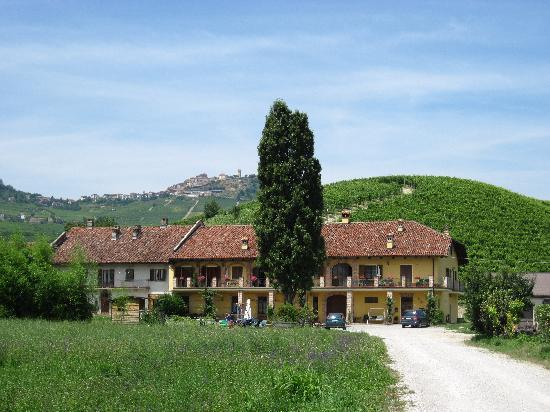 Agriturismo Cascina Rocca: view of the agriturismo