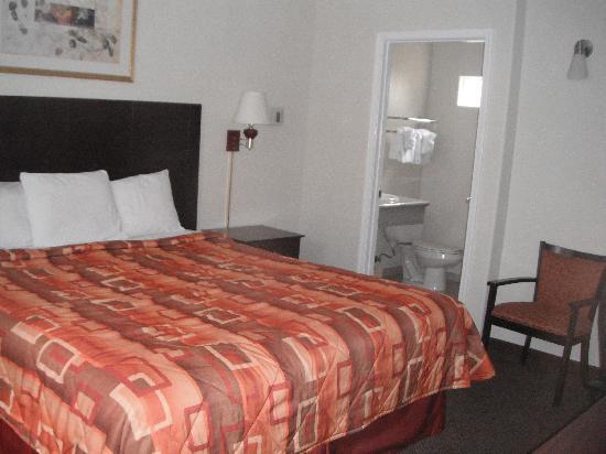 Super 8 Monterey: chambre
