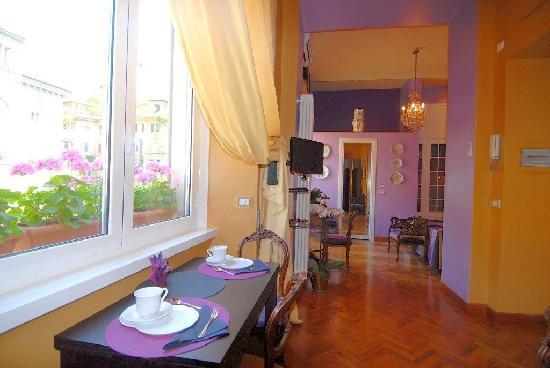 """Casa Pariolina: soggiorno """"Il romantico"""""""