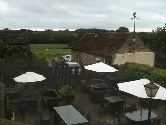 Innkeeper's Lodge Harrogate East, Knaresborough: view from Room 11 overlooking the lovely outside terrace