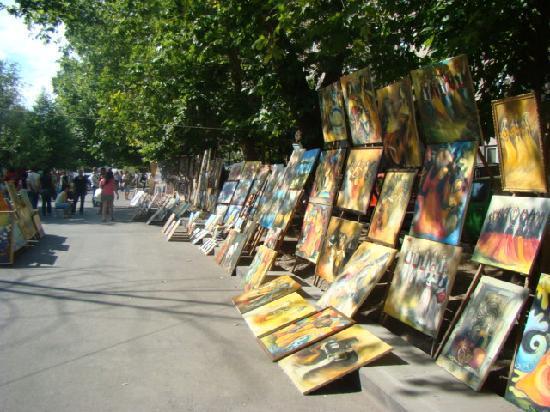 The Club Yerevan : near vernissage