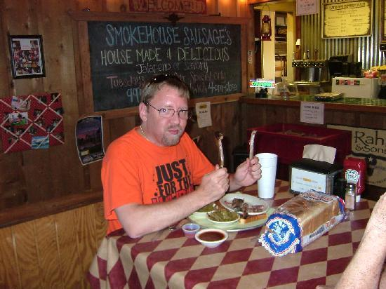 Danny D's BBQ: Come and get it