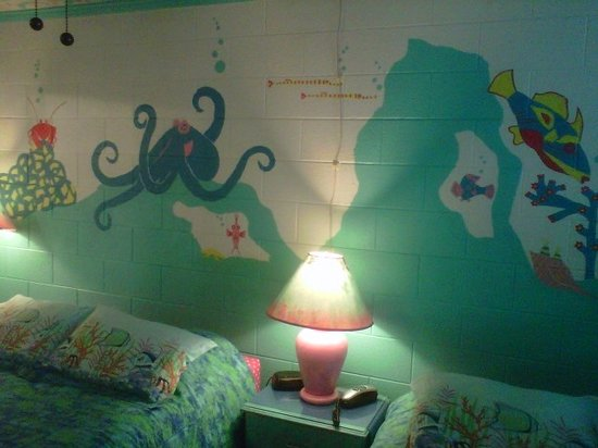 Caribbe Inn: Sea Creatures on every wall