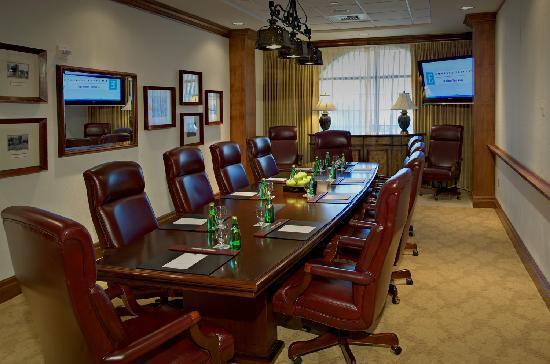 Embassy Suites by Hilton La Quinta Hotel & Spa: Boardroom
