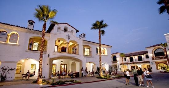Embassy Suites by Hilton La Quinta Hotel & Spa: Old Town La Quinta