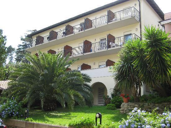 Hotel Villa Adriana : esterno 2