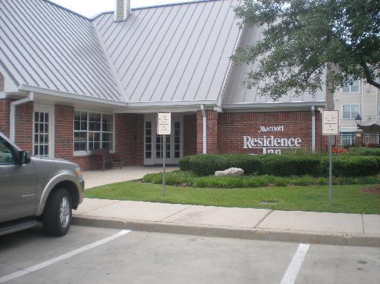 Residence Inn Monroe: Main entrance
