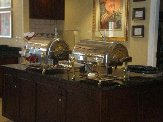 Residence Inn Monroe: Breakfast area