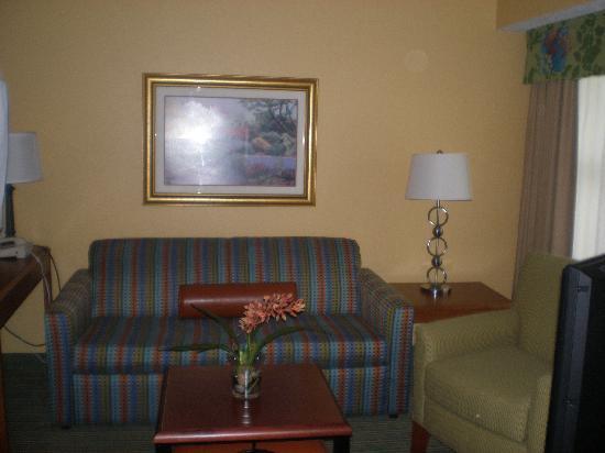 Residence Inn Monroe: Living Room with flat screen TV