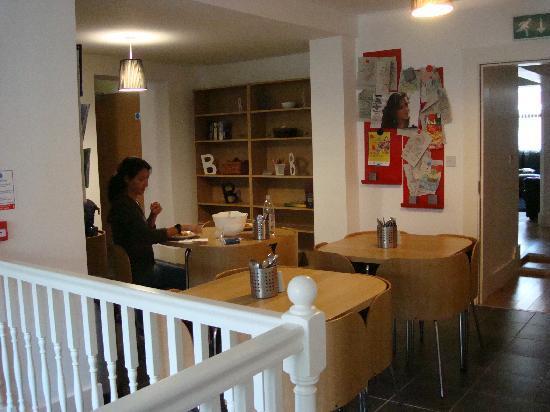 Belfast City Backpacker Hostel: Comedor