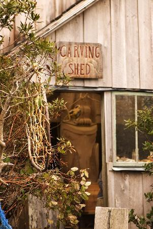 Wickaninnish Inn and The Pointe Restaurant: Henry Nolla's Carving Shed