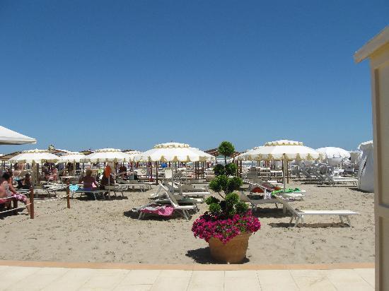 Hotel waldorf bewertungen fotos riccione italien for Bagno 7 rimini