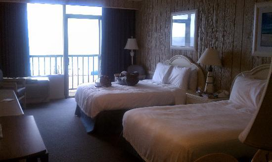 Belvedere Beach Resort: Our hotel room!