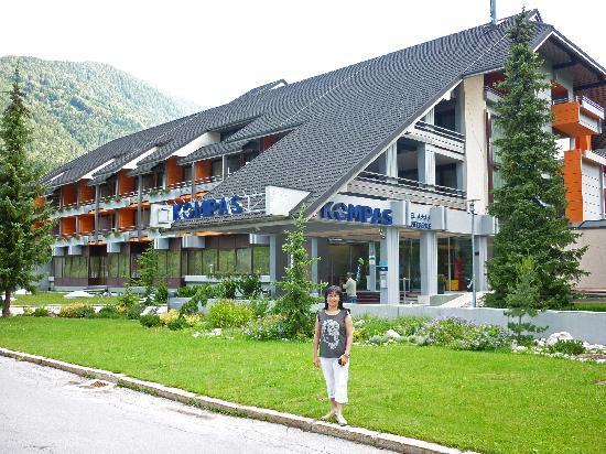 Hotel Kompas: Outside hotel