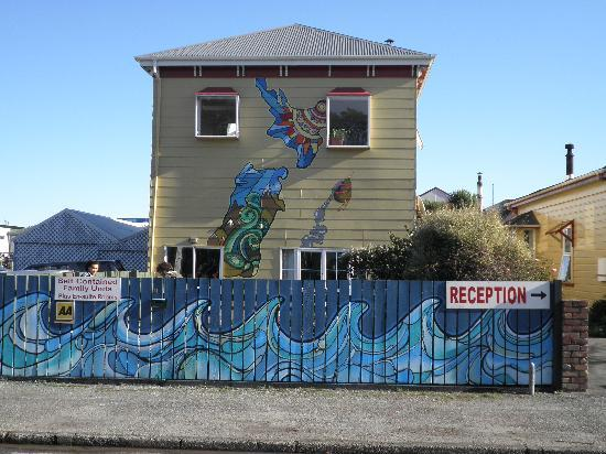Bazil's Hostel & Surf School: New paint job
