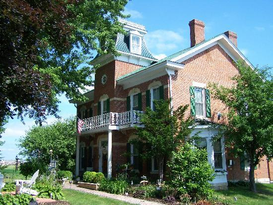 Cloran Mansion Bed & Breakfast: The Cloran Mansion