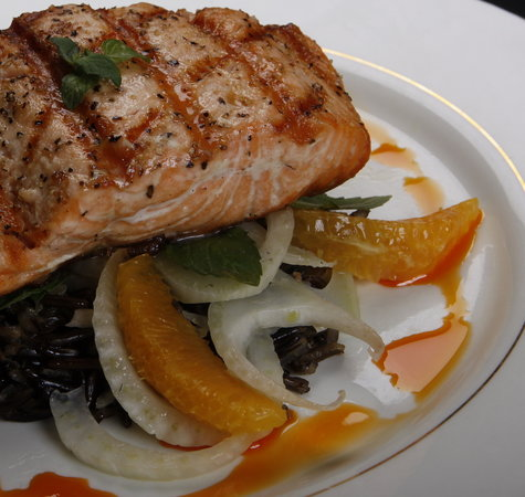 The Terrace Restaurant & Bar: Grilled Salmon