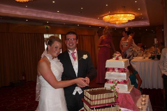 Diamond Coast Hotel: cutting the cake!