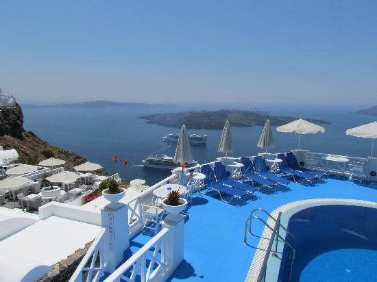 Kafieris Blue Apartments: View from room balcony