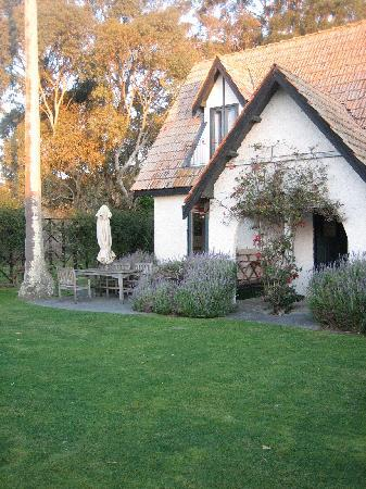 The gorgeous Rush Cottage - Picture of Black Barn Retreats, Havelock ...