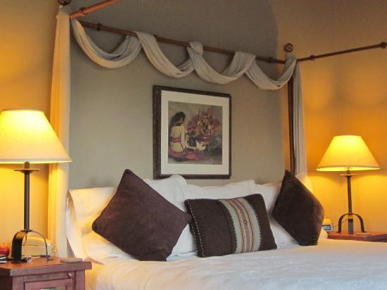 Canyon Villa Bed and Breakfast Inn of Sedona: Ocotillo room - beautiful!