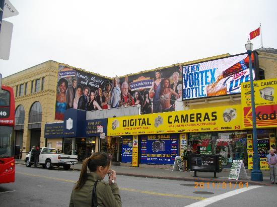 The Wax Museum at Fisherman's Wharf: 看板