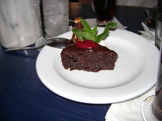 Island Grille: Chocolate torte