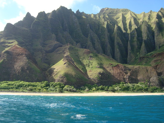 Na Pali Sea Breeze: View of the coast
