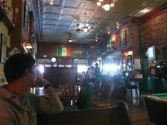 The Monarch Public House: Bar
