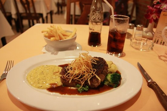 Karlssons Restaurant Patong: rib eye