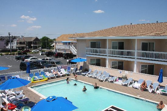 foto de white sands oceanfront resort spa point. Black Bedroom Furniture Sets. Home Design Ideas
