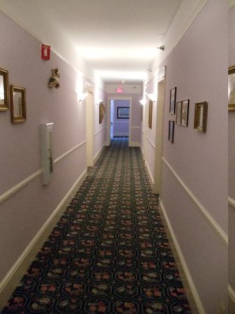 Inn on Mackinac: 4th floor hallway