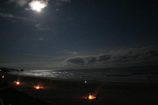 The Ocean Lodge: Beach campfires in front of hotel and down the beach
