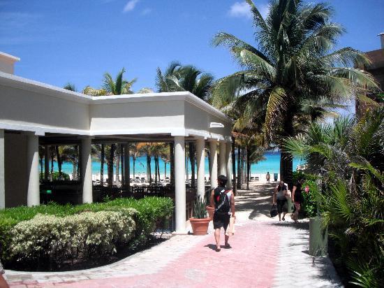 Hotel Riu Lupita: plage + resto