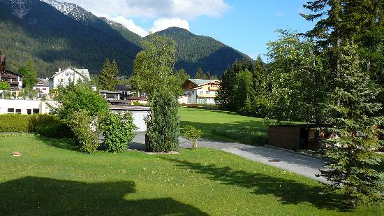 Parkhotel Seefeld: View from the room towards the mountains