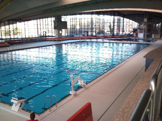 Hotel D'Coque : View of the swimming pool complex from the internal terrace.