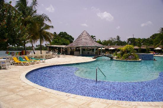 Turtle Beach by Rex Resorts: hotel pool