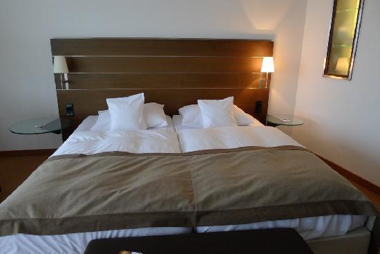 Dorint Hotel An der Kongresshalle Augsburg: Bed
