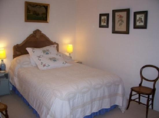 Weir Cottage: Double Room